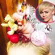 Miley Cyrus stellt zum ersten Mal ihre Kunst aus