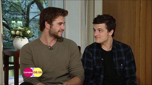 Josh Hutcherson kennt sowohl Chris Hemsworth als auch Liam Hemsworth ...