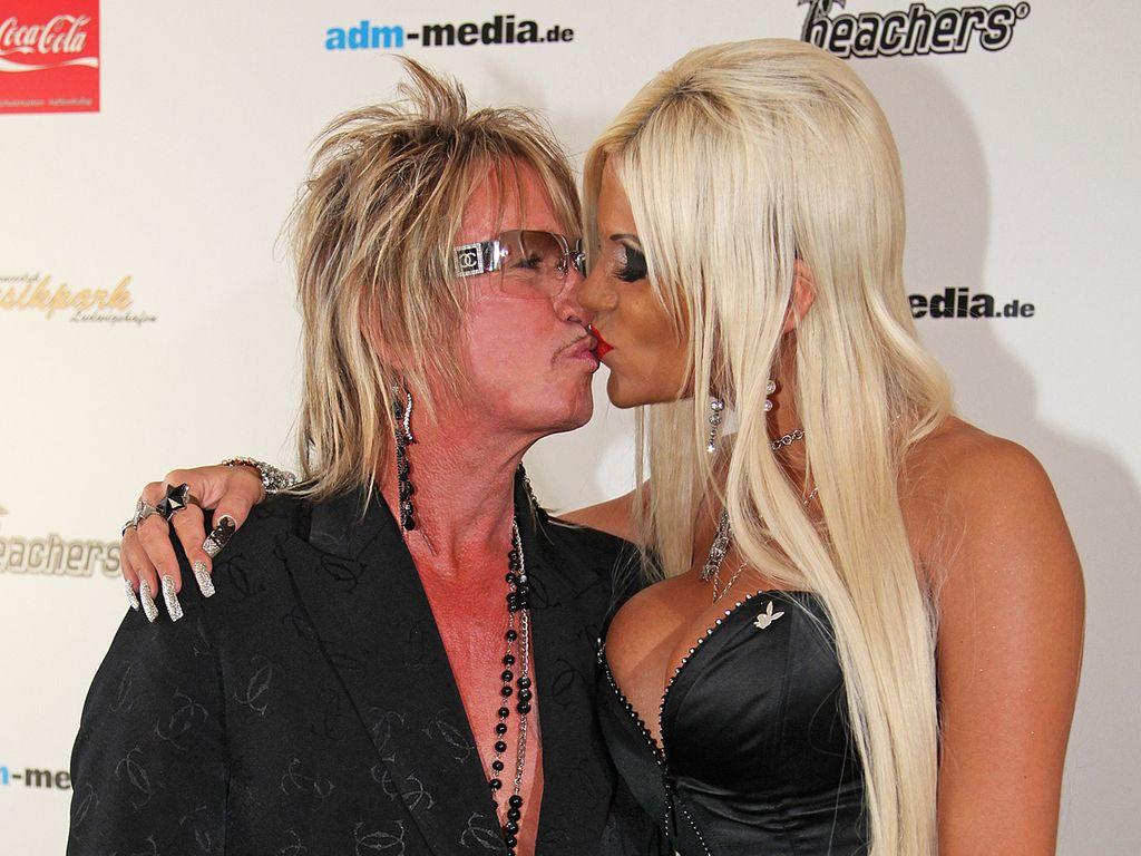 Bert Wollersheim und Ehefrau Sophia küssen sich