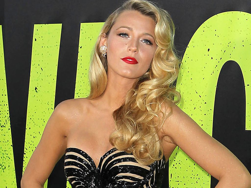 Blake Lively in Diven-Pose
