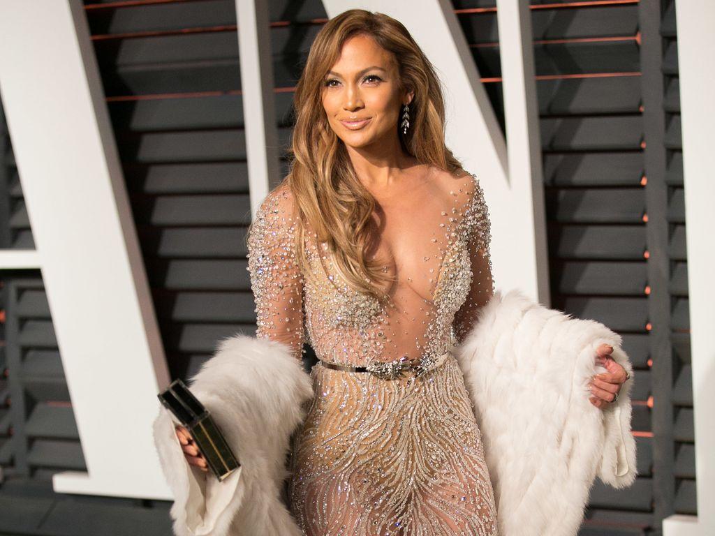 Jennifer Lopez twittert Nacktfoto von sich und Casper