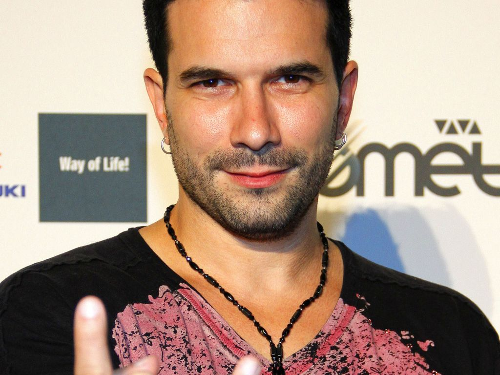 Marc Terenzi im schwarz-pinken Shirt