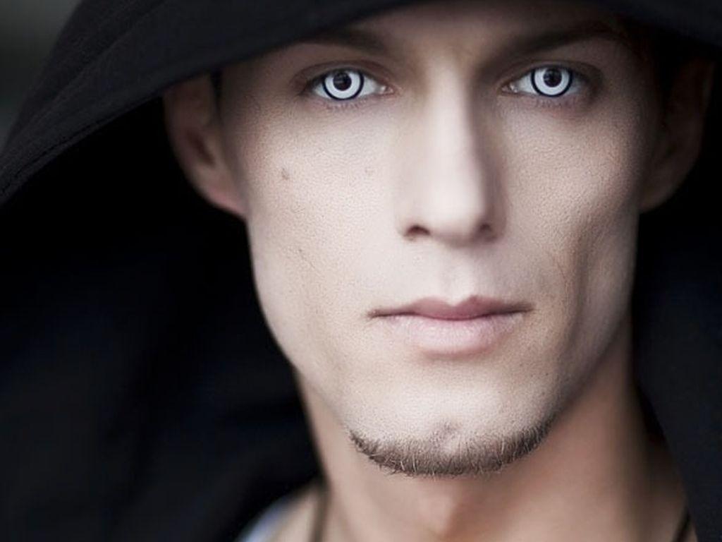 Prince of Babylon mit Kontaktlinsen
