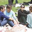 Sie nahmen sich beim Picknick eine Auszeit von der Berliner Fashion Week