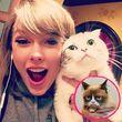 Taylor Swift knuddelt ihre Katze