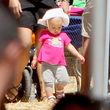 Die Kleine kann schon laufen