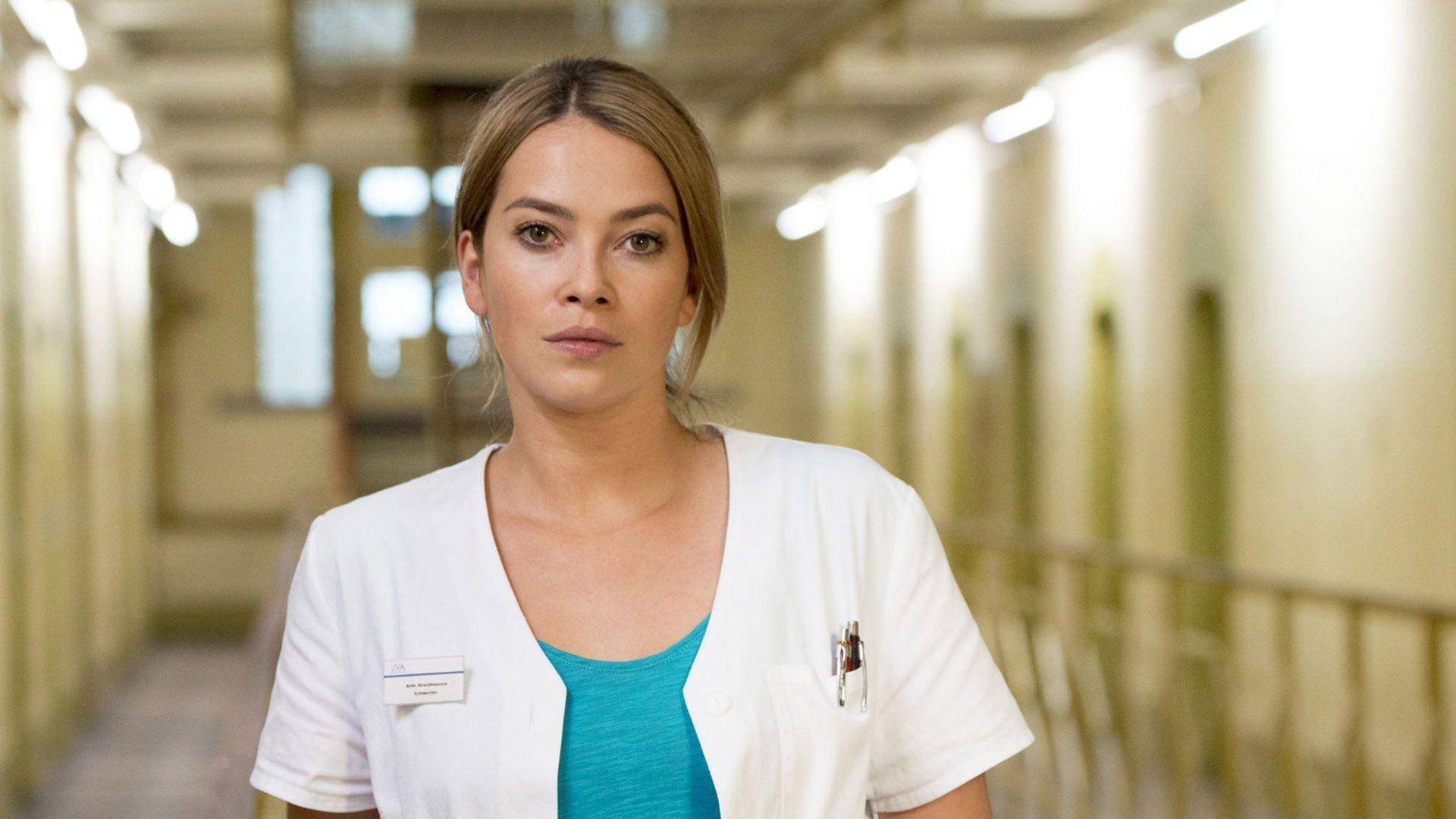 Neue Rolle: Laura Osswald wird zur Knastschwester
