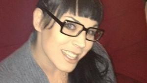 Bibi mit Brille und Pony