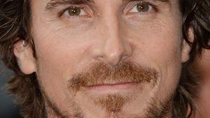 Christian Bale mit schwarzer Krawatte