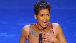 Halle Berry heult bei Oscars