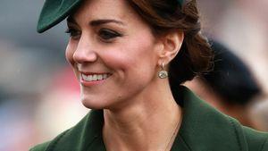 Herzogin Kate freut sich