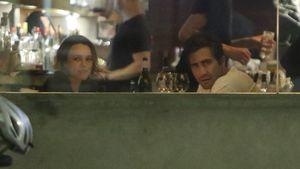 Jake Gyllenhaal und Rachel McAdams im Restaurant