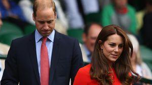 Kate Middleton trägt ein rotes Kleid