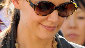 Katie Holmes trägt eine auffällige Kette