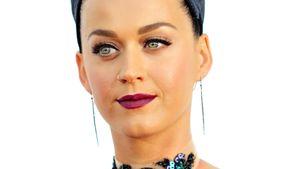 Katy Perry schaut angespannt