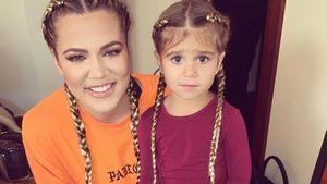 Khloe Kardashian und Penelope Disick mit Zöpfen