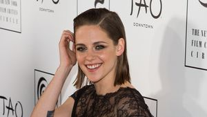 Kristen Stewart gut gelaunt bei den New York Film Critics Circle Awards
