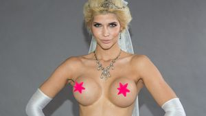 Micaela Schäfer posiert nackt