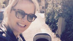 Monica Ivancan geht mit Anton spazieren