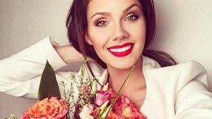 Nathalie Volk mit Blumen