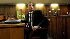 Oscar Pistorius sitzt im Gerichtssaal