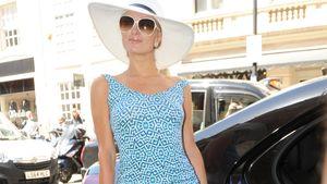 Paris Hilton im langen, hellblauen Kleid