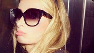 Paris Hilton steckt im Fahrstuhl fest