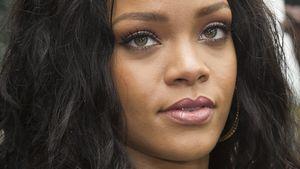 Rihanna guckt ernst