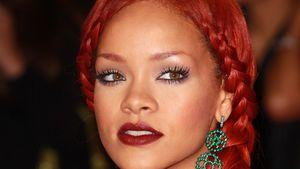 Rihanna mit geflochtenem Zopf