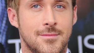 Ryan Gosling lächelt