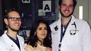 Salma Hayek mit Hand-Bra in der Notaufnahme