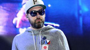 Sido mit Sonnenbrille auf der Bühne