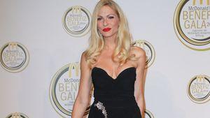 Sonya Kraus in einem schwarzen Kleid