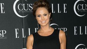 Stacy Keibler im schwarzen Cut-Out-Kleid