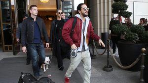 Tom Kaulitz und Bill Kaulitz kommen aus dem Ritz Carlton in Berlin