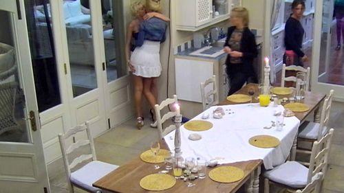 Nina und Melanie knutschten