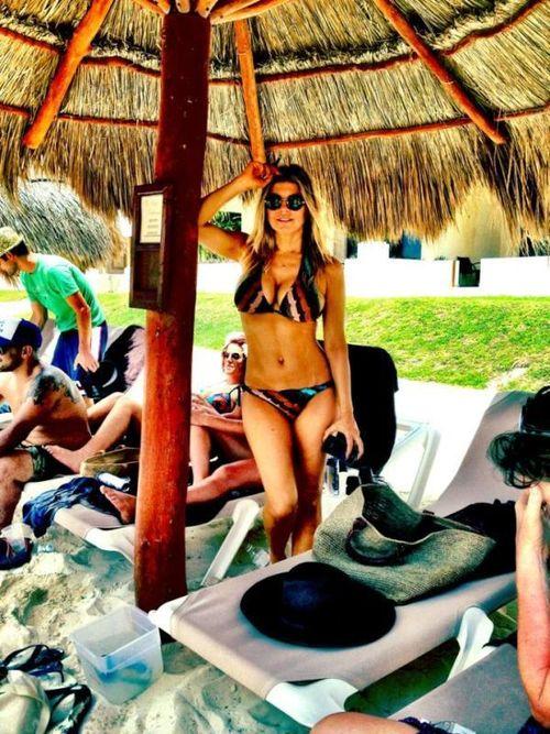 Fergie zeigt sich sexy im Bikini