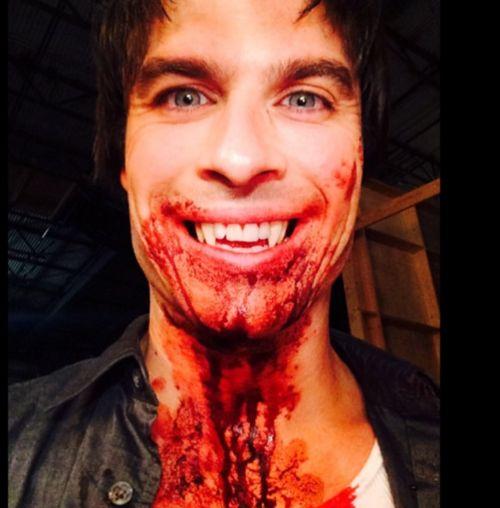 """Ian Somerhalder verschickte mit diesem Foto einen ersten Gruß vom Set der neuen """"Vampire Diaries""""-Staffel"""