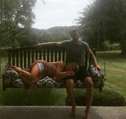 Julianne Hough ist rundum glücklich mit ihrem Freund Brooks Laich