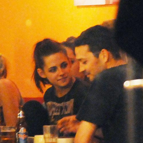 Kristen und Rupert besuchten im Mai zusammen ein Restaurant