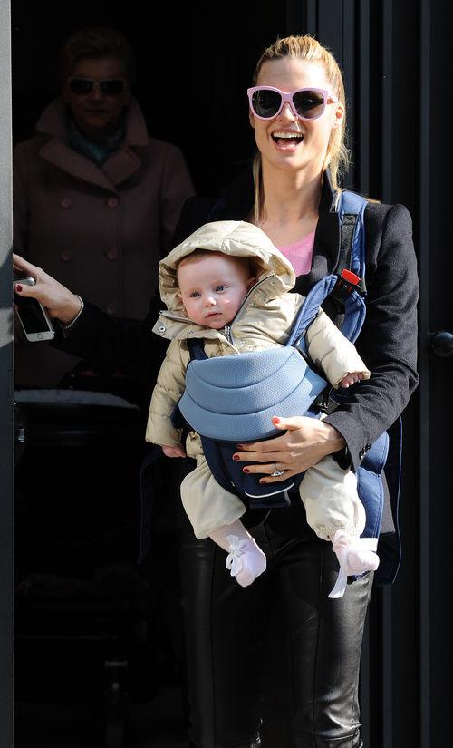 Michelle Hunziker zeigte sich jetzt mit ihrer kleinen Tochter Sole