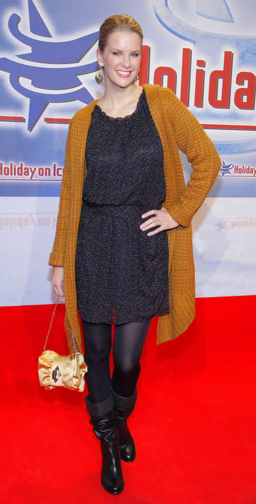 Zur Holiday-On-Ice-Premiere kam Monica Ivancan in einem lässigen Look