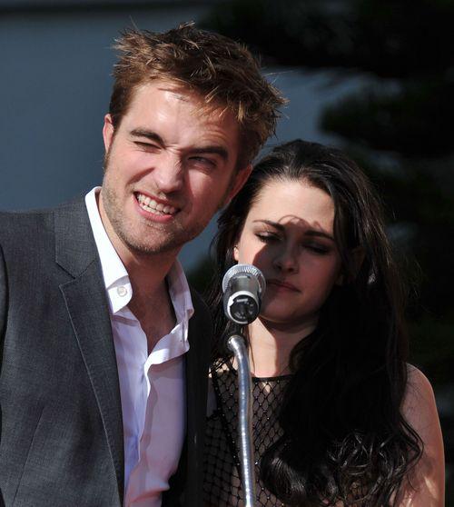 Robert Pattinson und Kristen Stewart müssen trotz des Fremdgeh-Skandals gemeinsam auf Promo-Tour