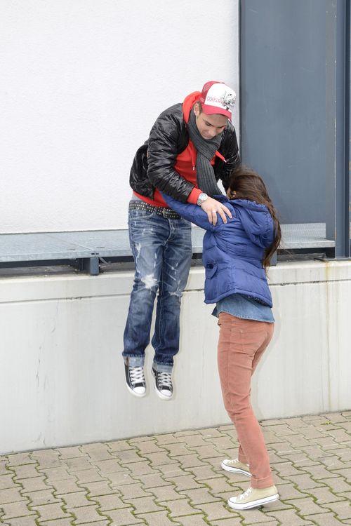 Witziges Foto: Sarah Engels trägt ihren Pietro