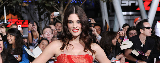 Ashley Greene rotes Kleid auf Premiere