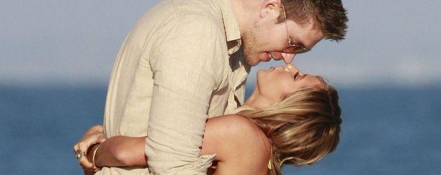 Ashley Tisdale will ihren Freund küssen