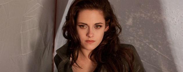 Bella kümmert sich um Renesmee