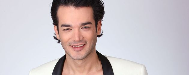Daniel Lopes mit weißem Jackett
