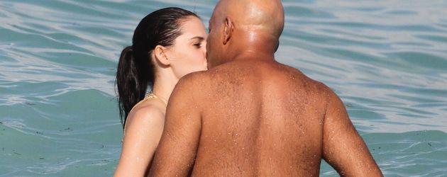 Hana und Russell im Meer