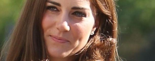 Herzogin Kate in einem schlichten Kleid